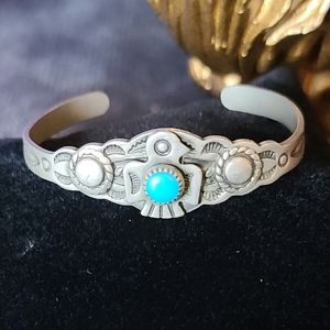 Vintage 70s Navajo Turquoise Childs Cuff Bracelet